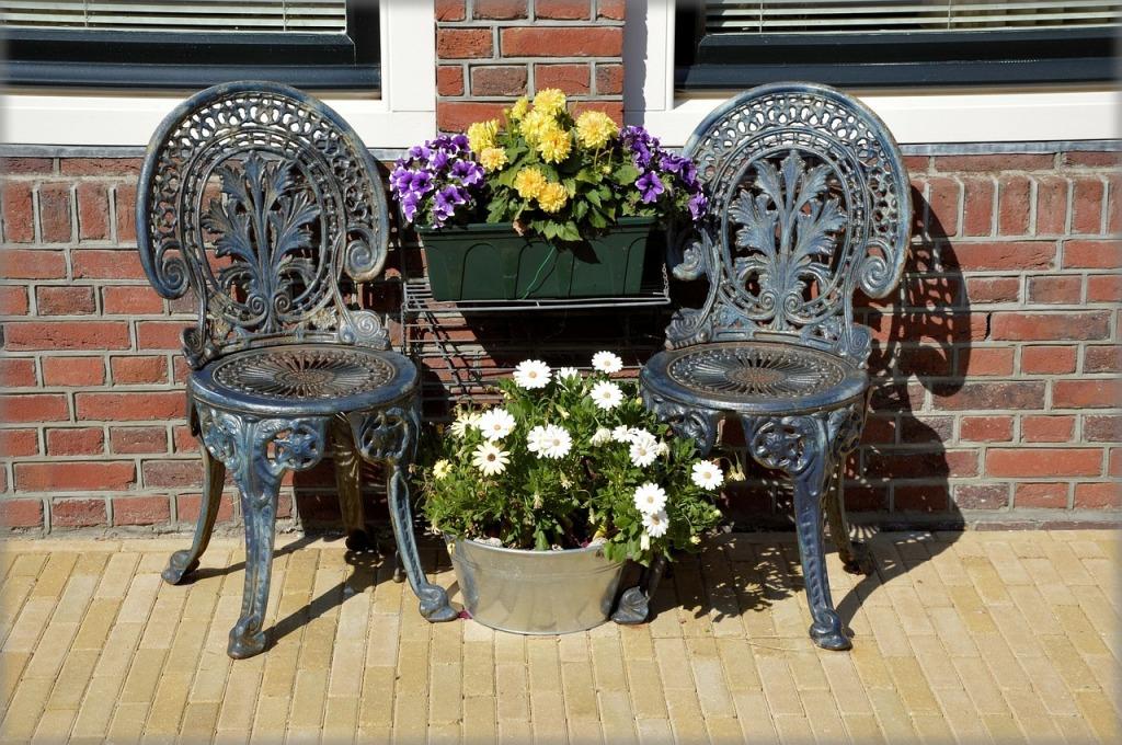 chair-219900_1280