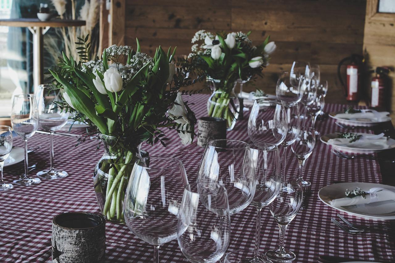 Dekorace na jídelní stůl