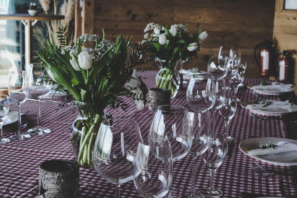 Tipy na dekorace na jídelní stůl