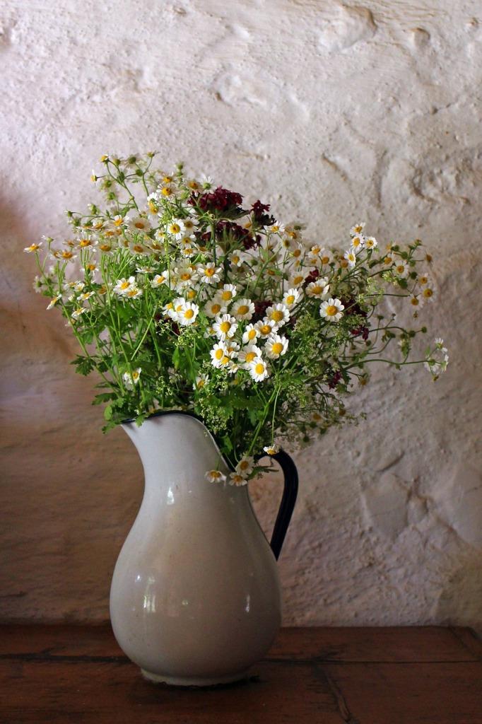 porcelain-vase-402200_1280
